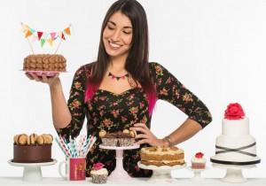 alma_obregon_taller_de_cupcakes_en_madrid_fnac_callao_firma_de_libros_cupcakes_maniacs_divinity-e1463046509343-300x210