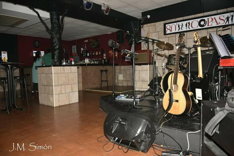 80' Copas Music Bar