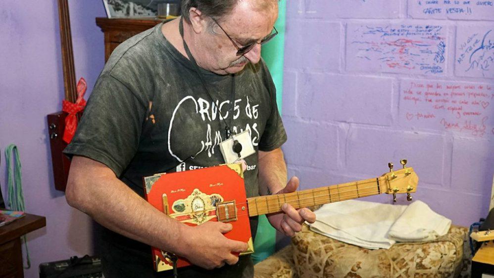 Turleque Cigar Box: Artesanía como educación